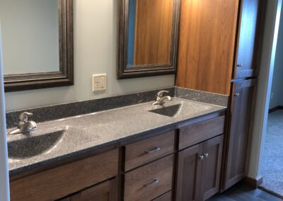 Side view of vanity and linen