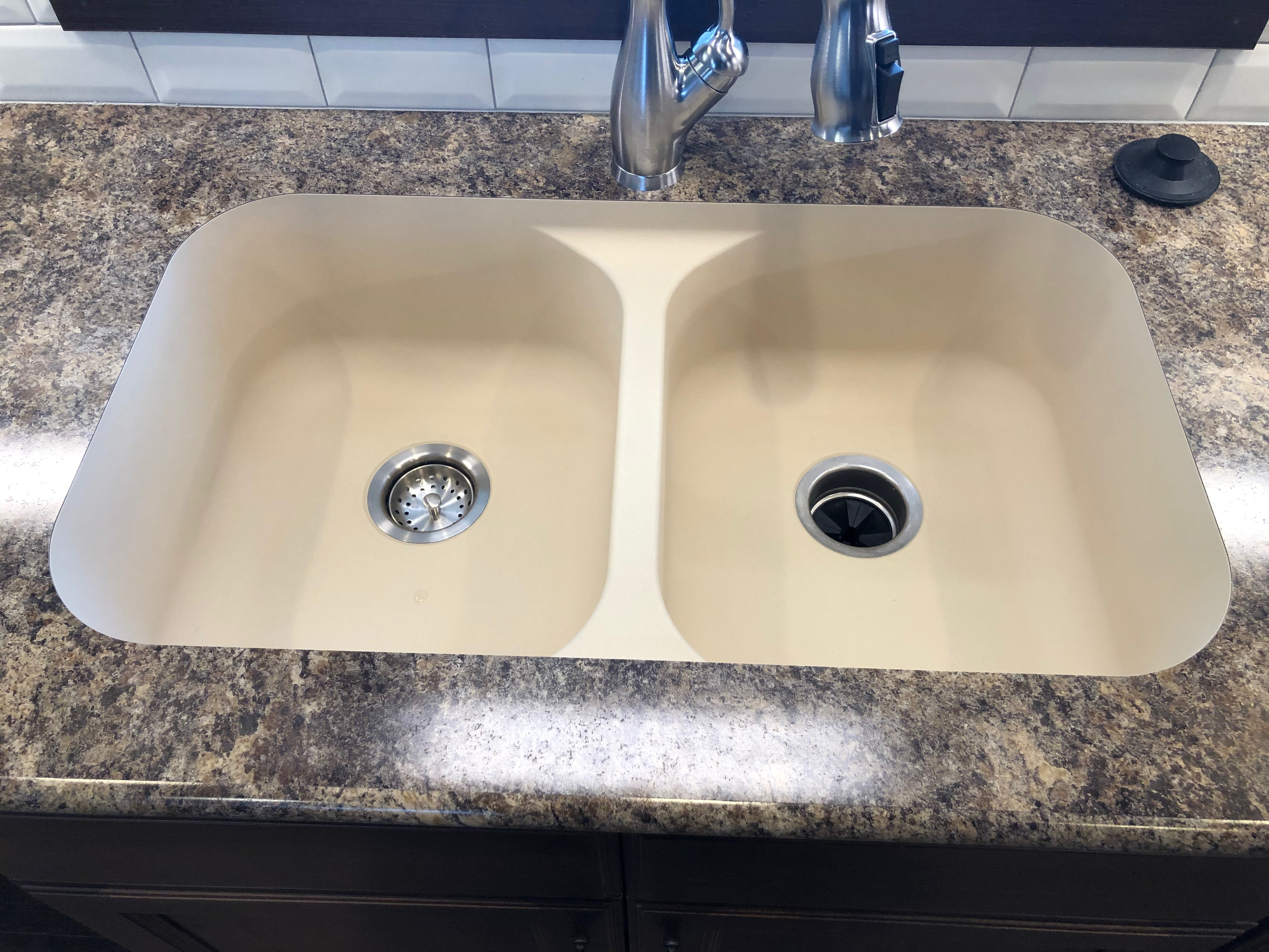 Laminate Countertop, undermount sink, bullnose edging